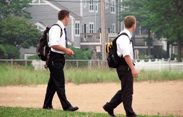 mormon-missionaries-male.jpg